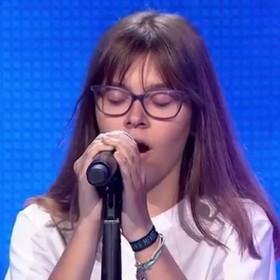"""14-latka zaśpiewała w polskiej edycji """"The Voice Kids"""" utwór Coldplay. Jurorzy nie chcieli jej w kolejnym etapie"""
