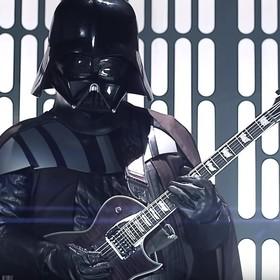 """15 rockowych i metalowych utworów nawiązujących do """"Gwiezdnych wojen"""""""