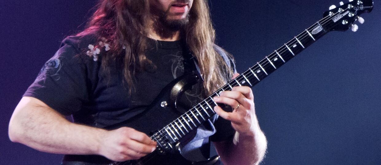 5 rad dla gitarzystów od Johna Petrucciego