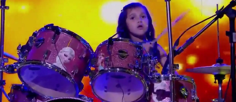 """7-latka wymiotła na perkusji """"Toxicity"""" System of a Down"""