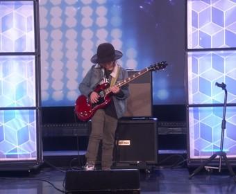 9-latek zagrał Guns N' Roses