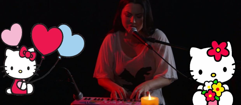 Amy Lee zagrała na keyboardzie z Hello Kitty