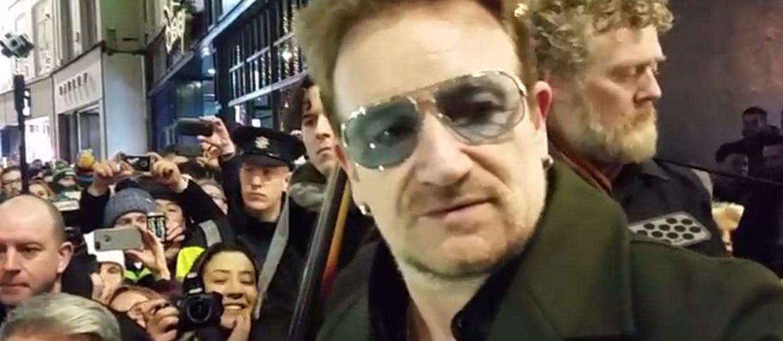 Bono zagrał na ulicy w Dublinie