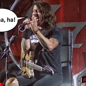 Dave Grohl po 35 latach zemścił się na swojej byłej, która przyszła na jego koncert