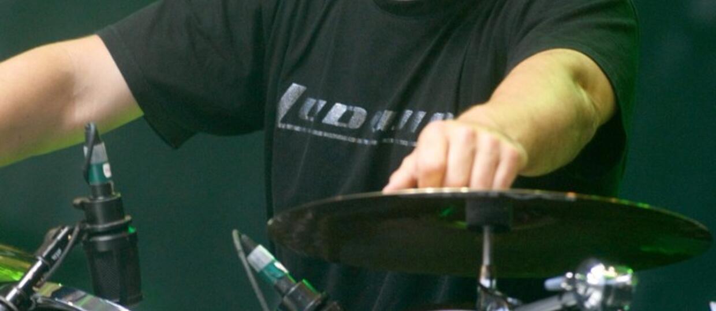 Dave Lombardo za bębnami tworzy sztukę