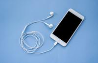 Dlaczego słuchawki się plączą?