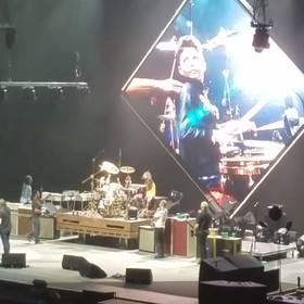 Dzieciak zagrał na perkusji z Foo Fighters i nie chciał zejść ze sceny