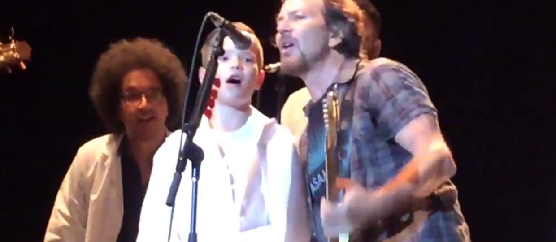 Eddie Vedder zaprosił na scenę 9-letniego fana