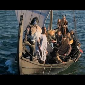 Fińscy metalowcy płyną na norweski festiwal - kadr z filmu Heavy Trip