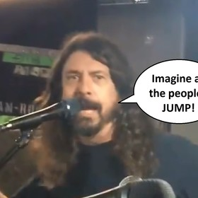 "Foo Fighters zagrał mashup ""Imagine"" Johna Lennona i ""Jump"" Van Halen"