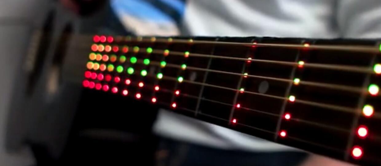 Fret Zeppelin nauczy Cię grać na gitarze diodami LED