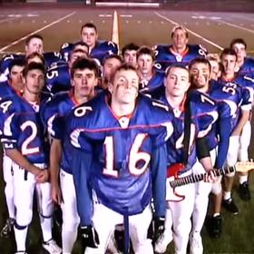 Futbolowa drużyna nagrała numetalowy kawałek