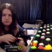 Gdy Guitar Hero jest całym życiem. Nawet prawdziwy gitarzysta poczuje się zawstydzony