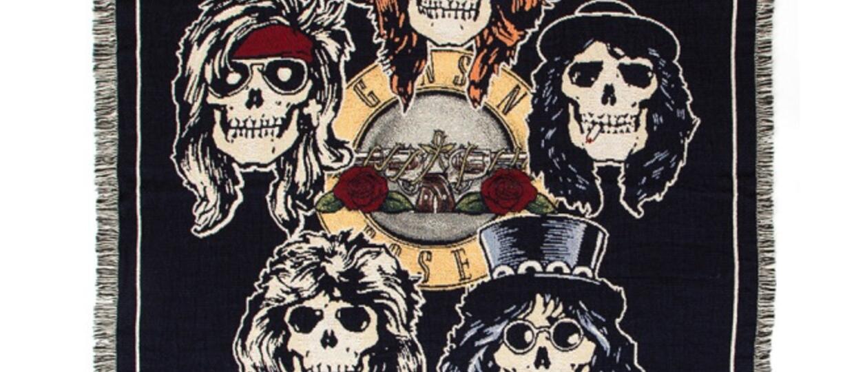 """Guns N' Roses sprzedaje """"stare"""" gadżety"""