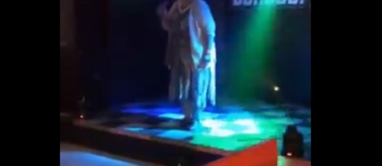 """Heavymetalowa mamuśka zaśpiewała """"Bodies"""" Drowning Pool na karaoke [WIDEO]"""