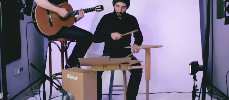 Jak brzmi perkusja z kartonu?