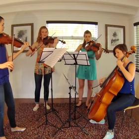 Jak brzmi rockowy repertuar w wykonaniu kobiecego kwartetu smyczkowego?