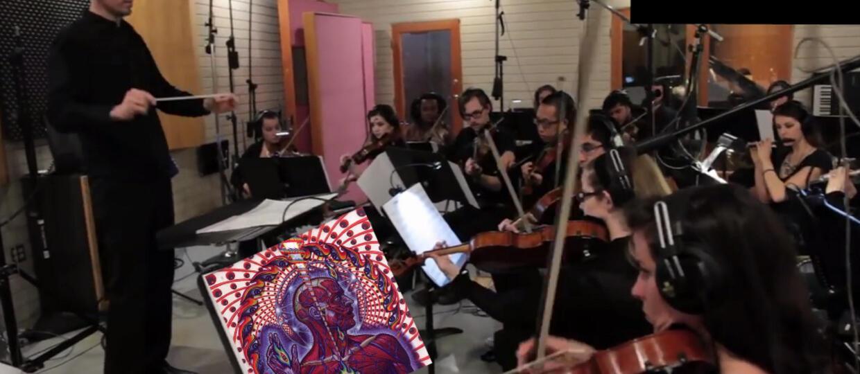 """Jak brzmi """"Schism"""" Toola zagrany przez orkiestrę?"""