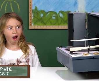 Jak dzieciaki reagują na gramofon i płyty winylowe?