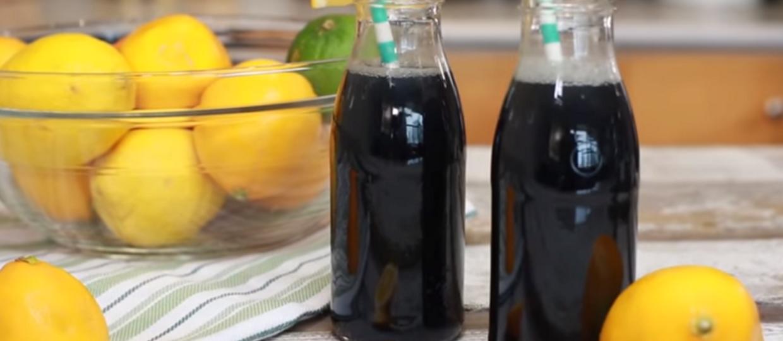 Jak przygotować czarną lemoniadę dla gotów?