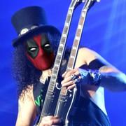 Jak wyglądałby zespół Guns N' Roses, gdyby grał w nim Deadpool?