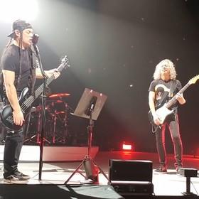 """Metallica zagrała cover """"Jožin z bažin"""" na koncercie w Pradze... i to nie jest żart na Prima Aprilis"""
