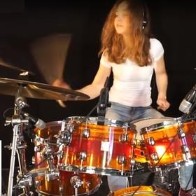 """Nastolatka z Niemiec nagrała perkusyjny cover """"Toxicity"""" System Of A Down"""
