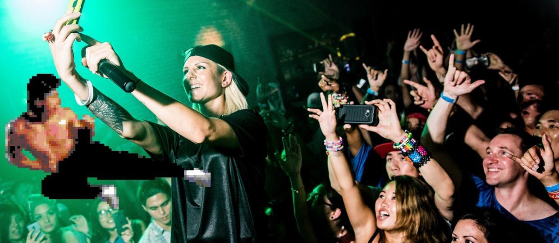 Nie rób selfie na koncertach, bo oberwiesz...