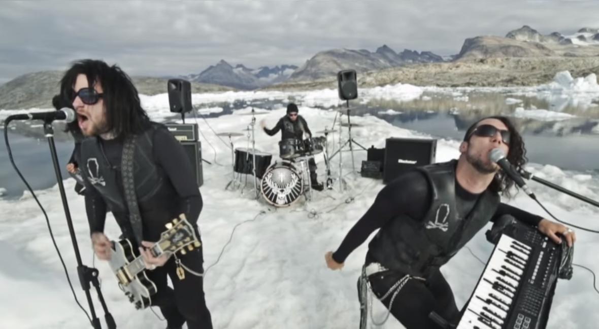 Pierwszy w historii koncert metalowy na górze lodowej