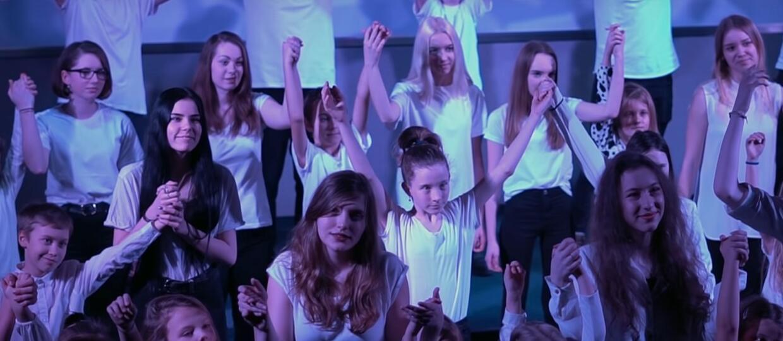 Polscy uczniowie w coverze Imagine