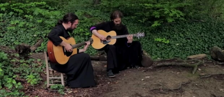 """Prawosławni mnisi zagrali cover Iron Maiden. Posłuchaj """"Wasting Love"""""""