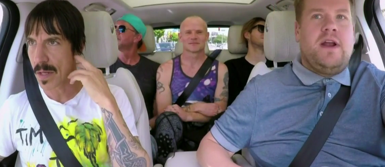 Red Hot Chili Peppers w samochodowym karaoke