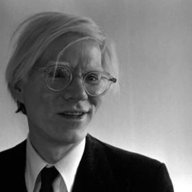 Andy Warhol obchodzi 90. urodziny