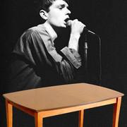 Stół Iana Curtisa trafił na sprzedaż