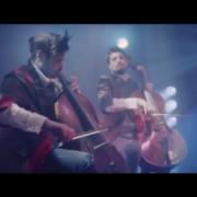 """""""The Show Must Go On"""" w wersji rockowych wiolonczelistów"""