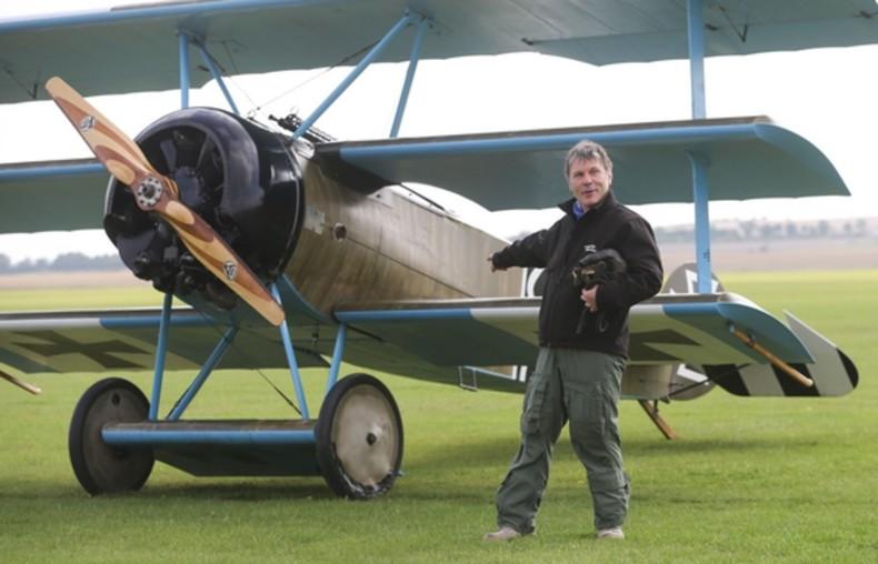 1. Bruce Dickinson (Iron Maiden) – pilot samolotów pasażerskich