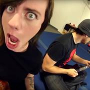 Utwór Cannibal Corpse wykonany na ukulele