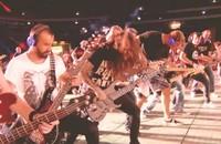 "Foto: kadr z wideo ""Killing In The Name - Rage Against The Machine / Rockin'1000 in Frankfurt"""