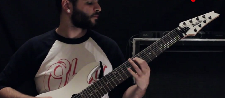 Utwory Metalliki, Black Sabbath i Slayera zagrane na nisko nastrojonej gitarze