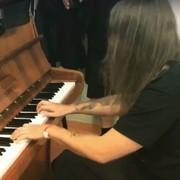 """Vogg z Decapitated zagrał na pianinie """"Legendę wyśnioną"""" Kata"""