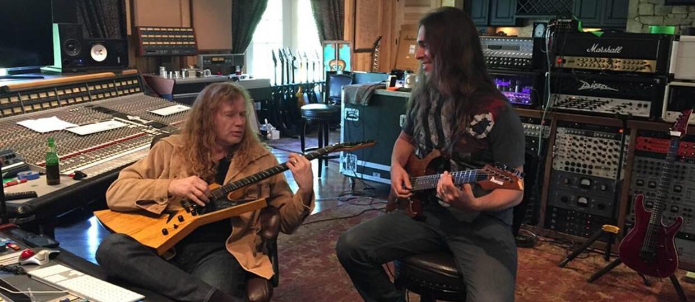 Za ile Dave Mustaine uczy grać na gitarze?