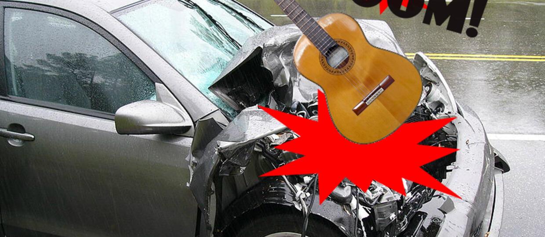 Zemsta na chłopaku? Zniszcz samochód gitarą