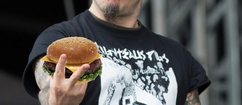 Zjedz hamburgera przy Panterze
