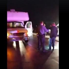 Złodziej ukradł samochód z zespołem w środku. Zaskająca akcja po koncercie
