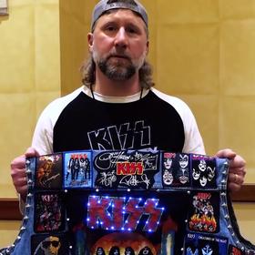 Zobacz najbardziej spektakularną kamizelkę fana Kiss
