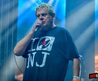 Kazik z Kefirem i Smalcem uczczą 100-lecie niepodległości na Punk Alive na Tauron Life Festival Oświęcim 2018