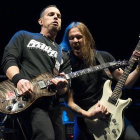 Mark Tremonti i Wolfgang Van Halen na koncercie Tremonti