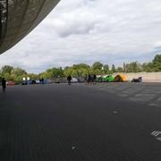 Fani Pearl Jam pod stadionem w Krakowie
