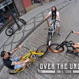 Over The Under, przyszły rekordzista Guinnessa, zaprasza na koncert w Warszawie