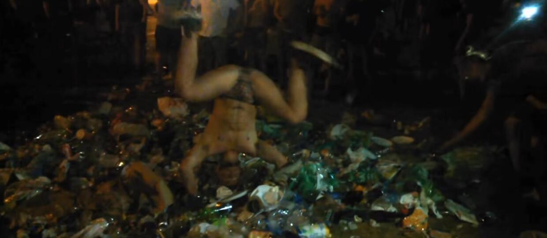 Pol'and'Rock 2018: uczestnik tarzał się w śmieciahc